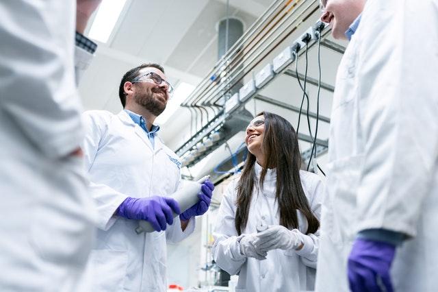 foto van mensen in lab